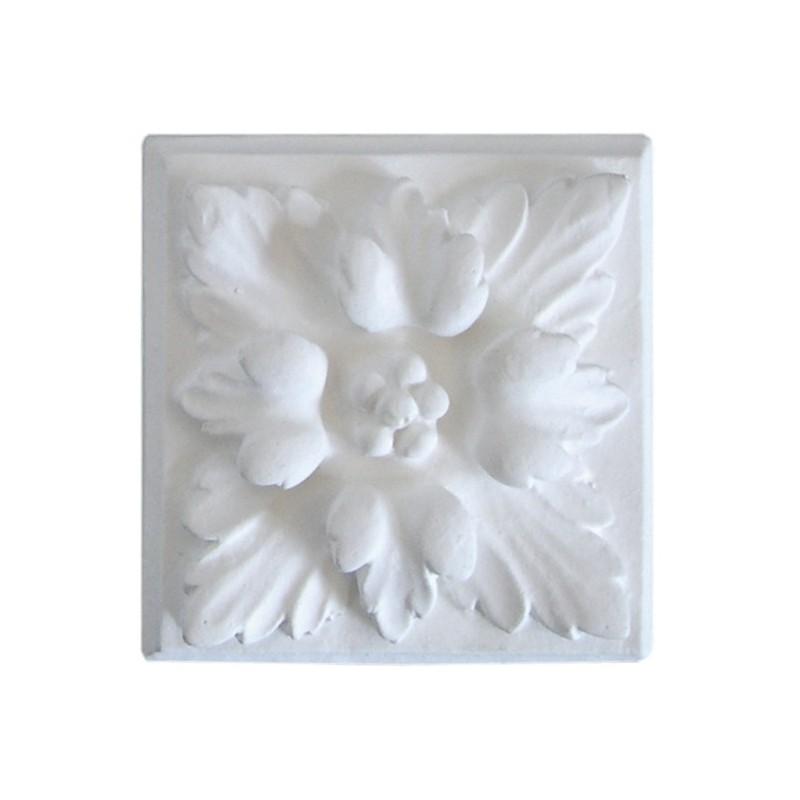 Ornement 319 Bouton floral carré